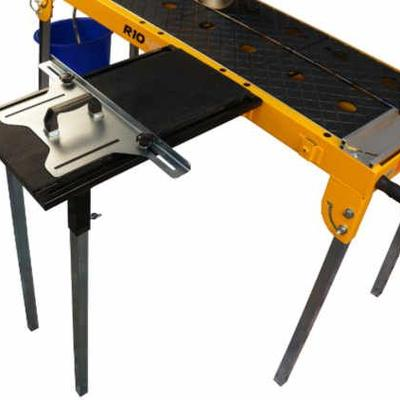 The optional long side extension table has an integrated rip guide that provides optimal support when making wide rip cuts.