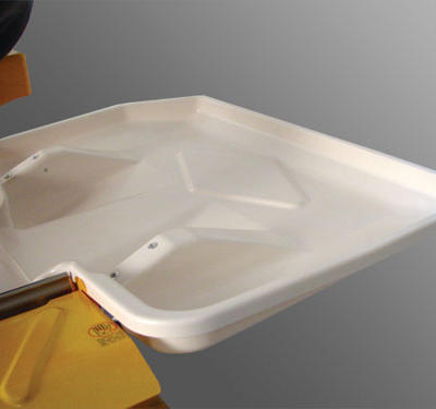 The drip tray returns water spray and runoff produced during operation to the water tray to minimize the loss of water and to keep the work site clean.