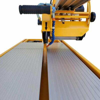 All aluminum cutting table are durable and easy to clean.